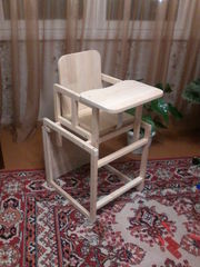 Стул-стол для кормления,  новый,  деревянный.